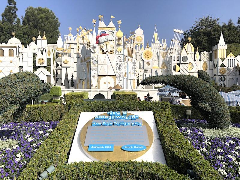 """Disneyland'de """"küçük bir dünya"""" atraksiyonu"""