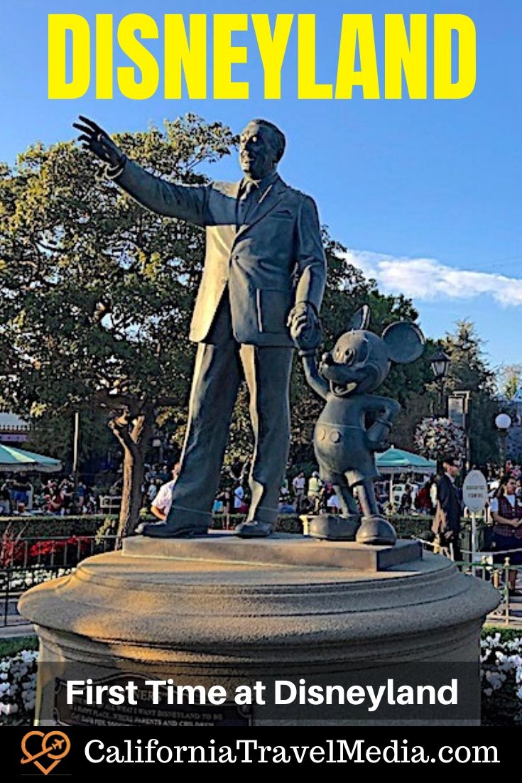 Disneyland'da İlk Kez ... Uzun Süre Disney Fan | #disneyland #anaheim # los-angeles #california # güney # california #socal # tema parkı #tips #secrets #christmas #rides # for-adults